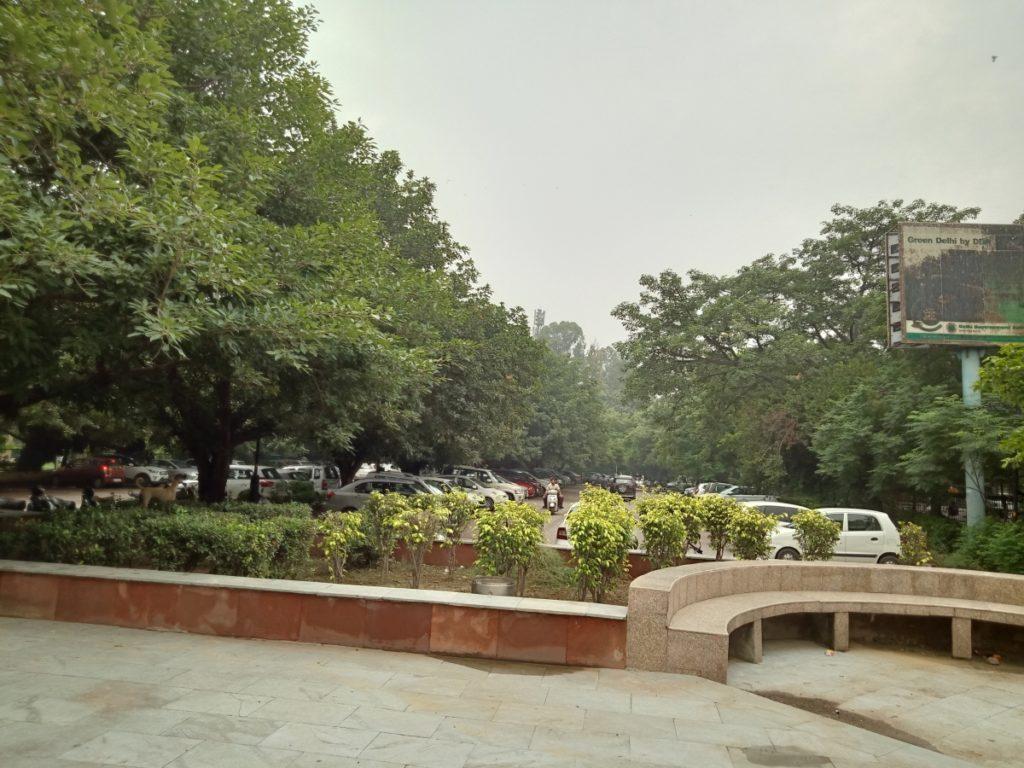 Free Parking in Swarn Jayanti Park Rohini