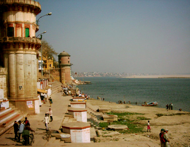 Holy Places in Varanasi - Kashi Ghat