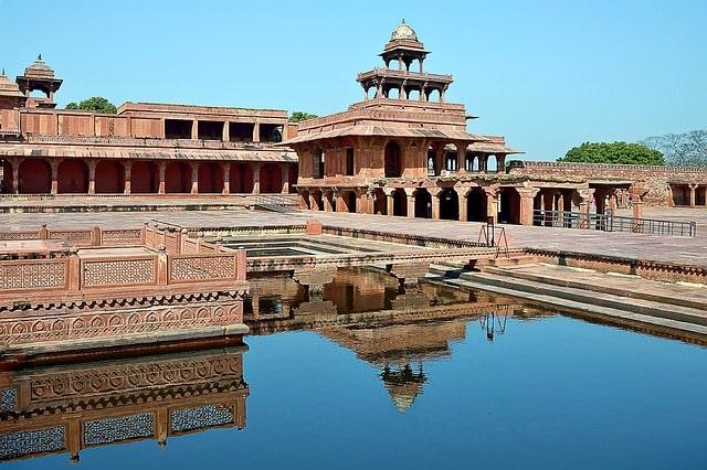 Fatehpur Sikri Tajmahal nearby Places